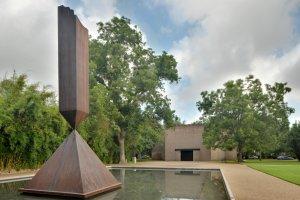 """Barnett Newman """"Broken Obelisk"""" at Rothko Chapel"""